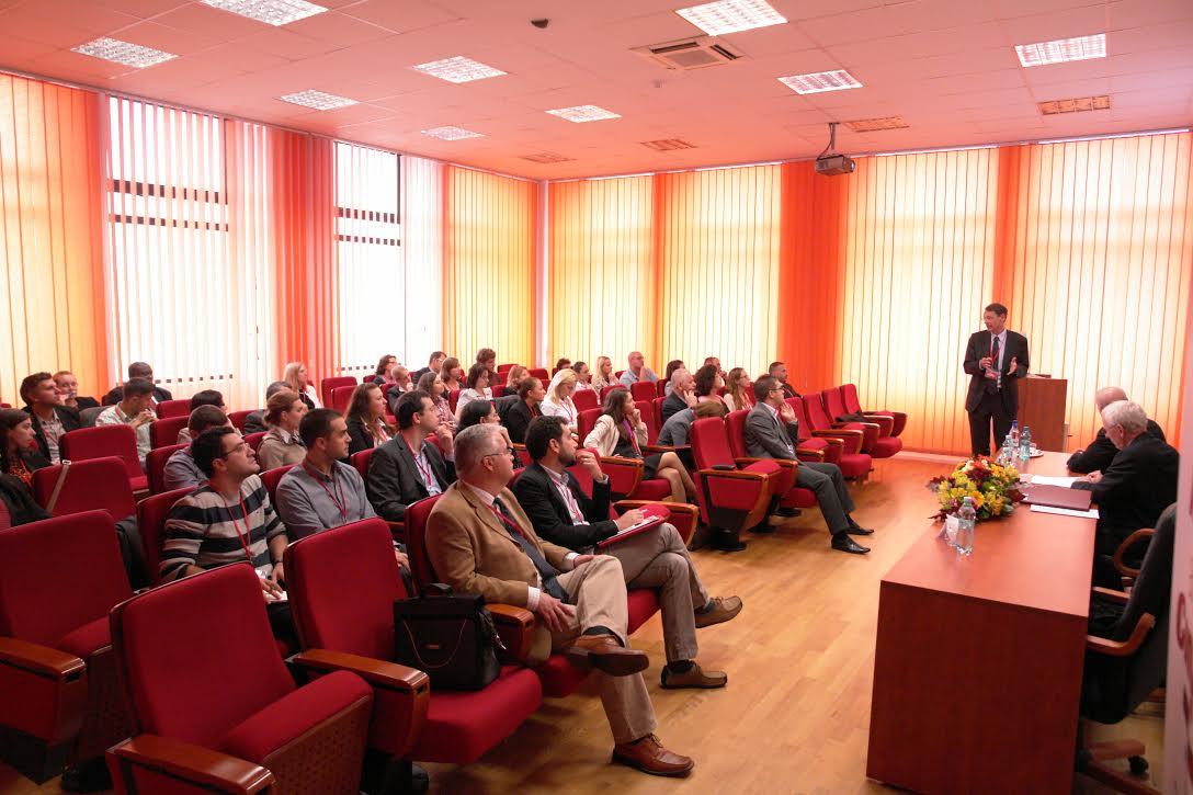 Participare la conferințe de specialitate și workshop-uri